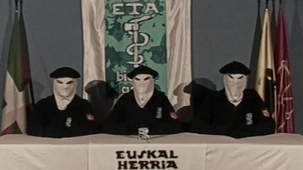 Foto: Miembros de ETA durante un comunicado.