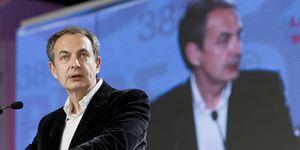 Foto: Once exministros de Zapatero, ahora diputados, cobran 10.000 euros al mes de media