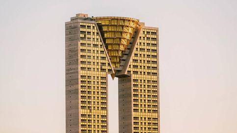 El rascacielos eterno de Benidorm: un 'ovni' amarillo de 200 metros de altura