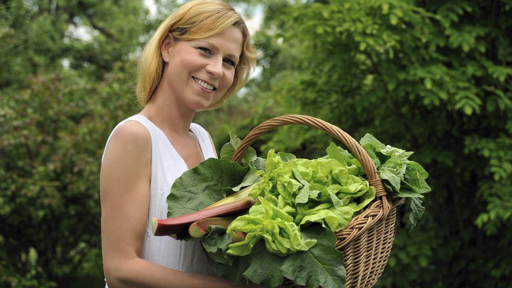 Foto: Nos hemos acostumbrado a comer fatal y deberíamos introducir más verduras en nuestra dieta. (iStock)