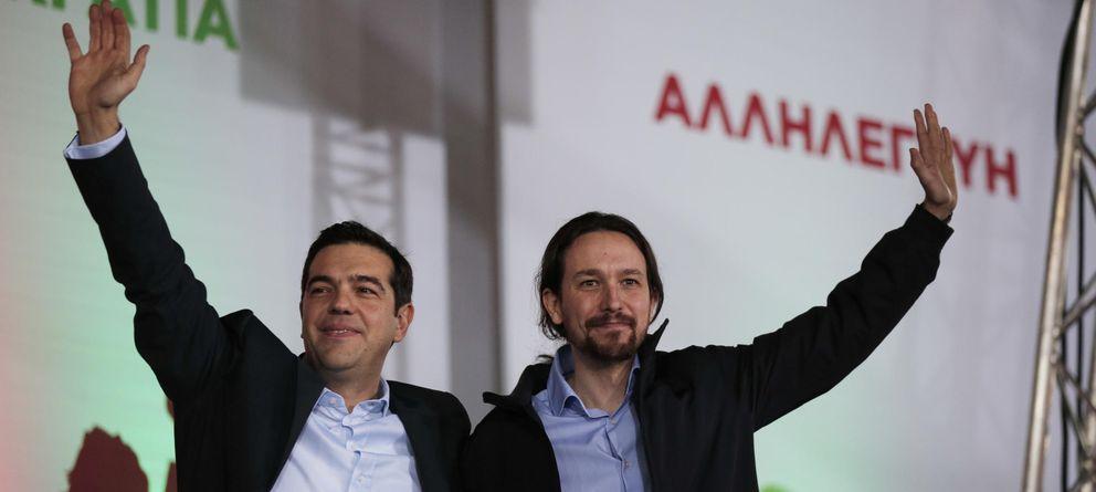 Foto: Alexis Tsipras y Pablo Iglesias, el pasado viernes, en el mitin de cierre de camapaña de Syriza. (AP)