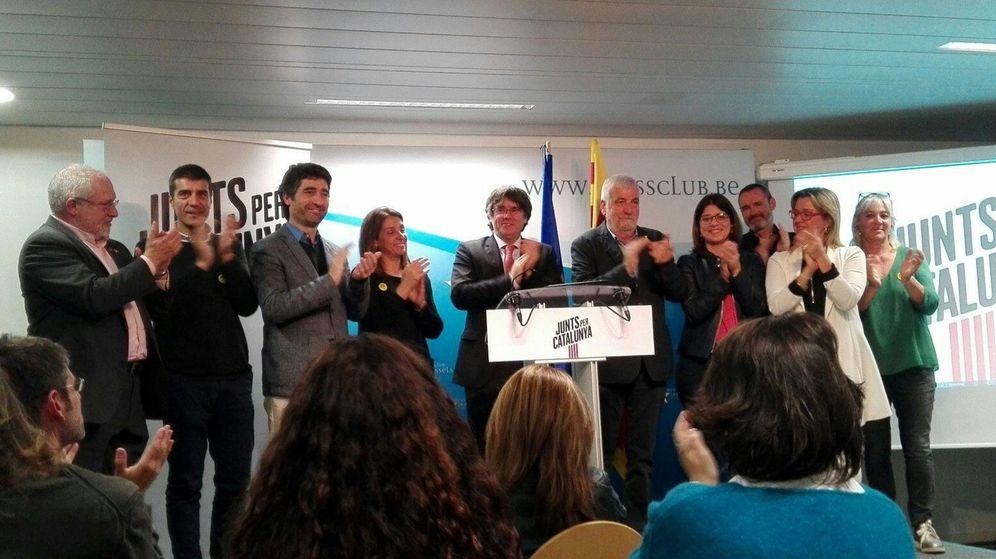 Foto: Puigdemont valora el resultado electoral en el centro de prensa del barrio europeo de Bruselas. (EFE)
