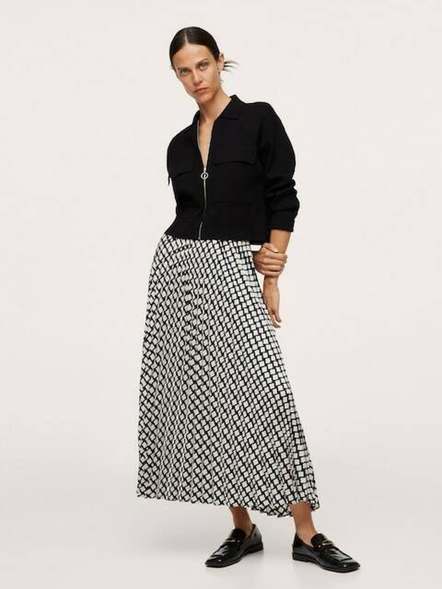 La falda estampada de Mango. (Cortesía)