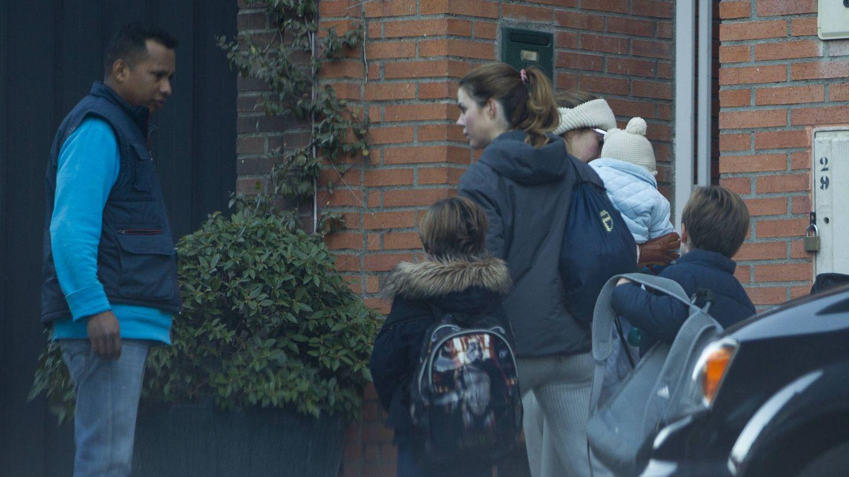 Vea aquí todas las fotos de Amelia Bono  entrando en su nueva casa. (José Martín)