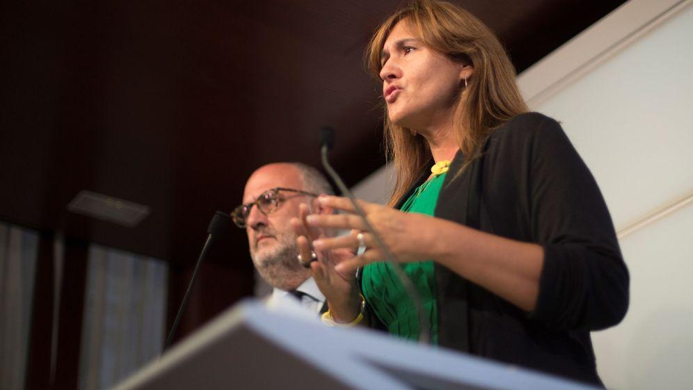 Foto: La portavoz de JxCAT en el Congreso, Laura Borràs, y el portavoz en el Parlament, Eduardo Pujol. (EFE)
