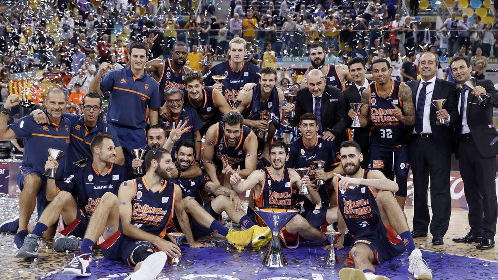 Valencia se acostumbra a ganar y levanta la Supercopa, su segundo título en 2017