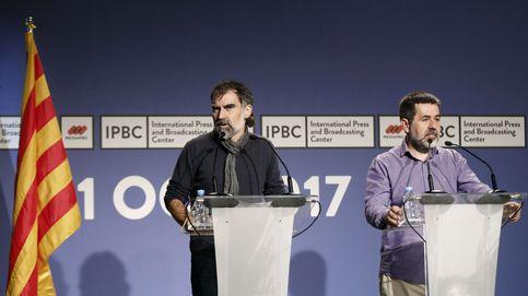 Los socios de Puigdemont no le dejan salida y llaman a defender el Parlament