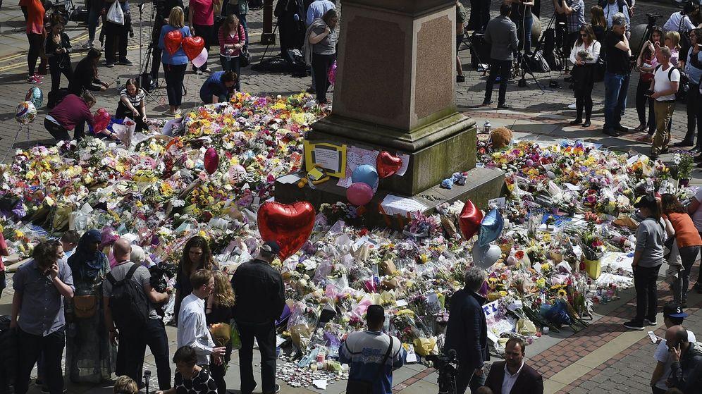 Foto: Homenaje a las víctimas de Mánchester. (EFE)