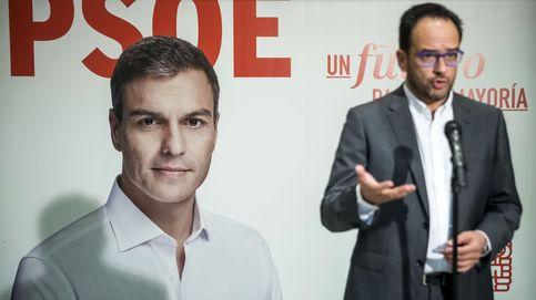 Hernando pretende una campaña hablando de pensiones y no de banderas