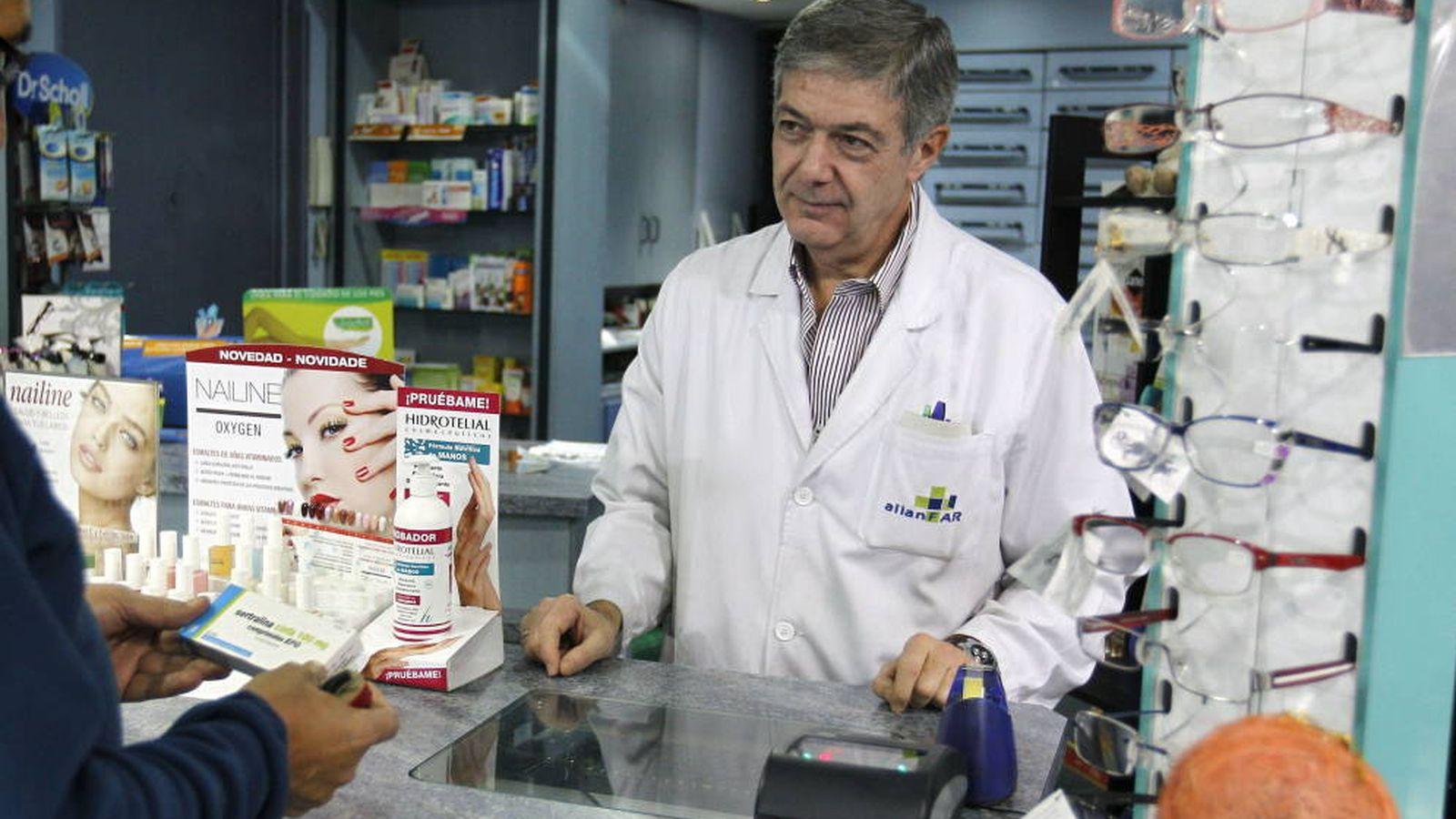 Foto: Los farmacéuticos quieren ofrecer nuevos servicios a los pacientes. (EFE)