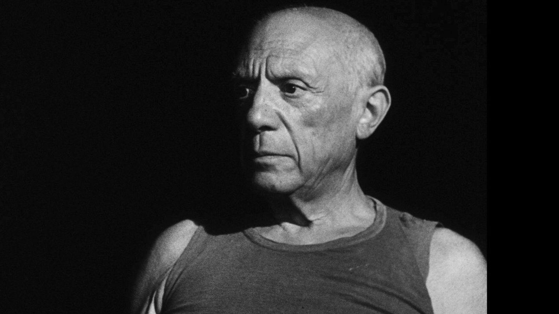 Fotograma cedido por Film Forum donde aparece el pintor español Pablo Picasso en un momento del documental 'El misterio de Picasso'. (EFE)