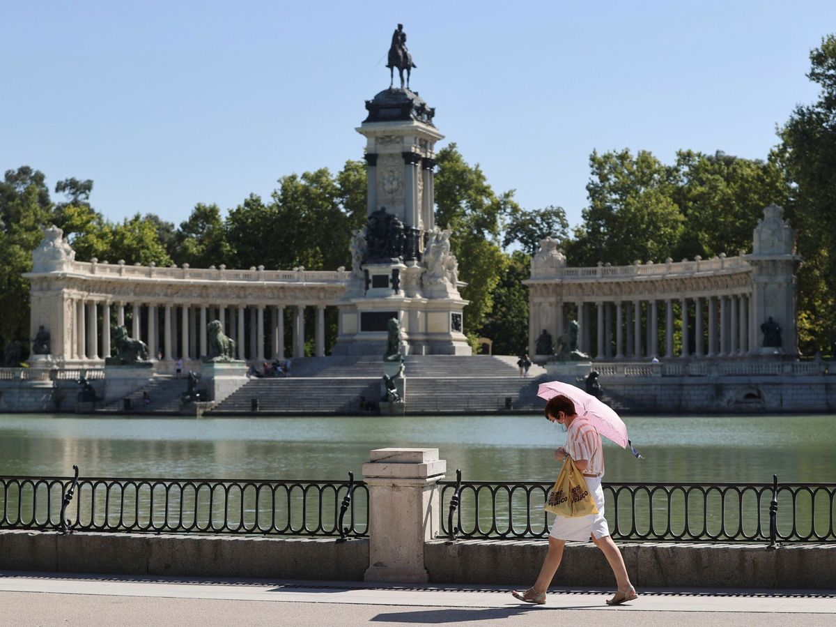 Foto: Imagen de archivo de una vista del madrileño parque del Retiro, Madrid. (EFE)