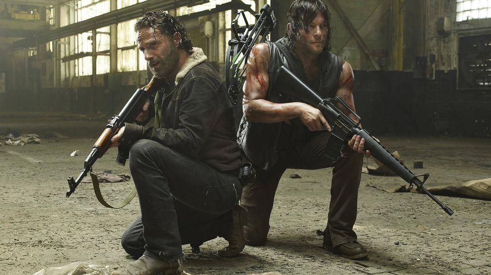 Foto: Secuencia con dos de los protagonistas de 'The Walking Dead'.