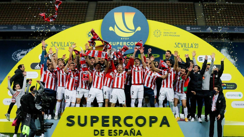 El Athletic Club se convirtió en campeón de la Supercopa de España tras derrotar al Barça. (EFE)