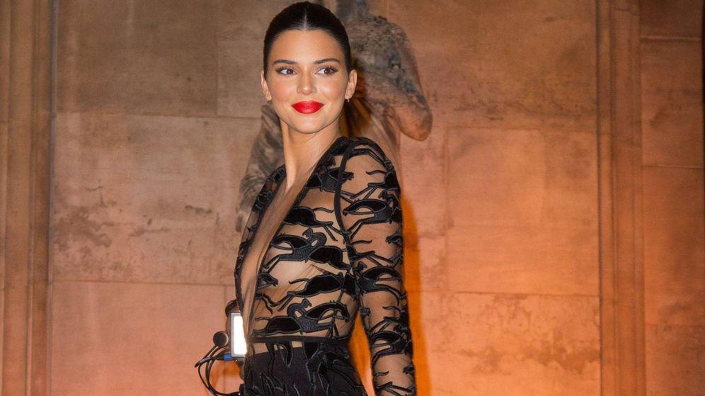 Foto: Kendall Jenner llega a la fiesta del 70 aniversario de Longchamp en la Ópera Garnier de París. (Cordon Press)