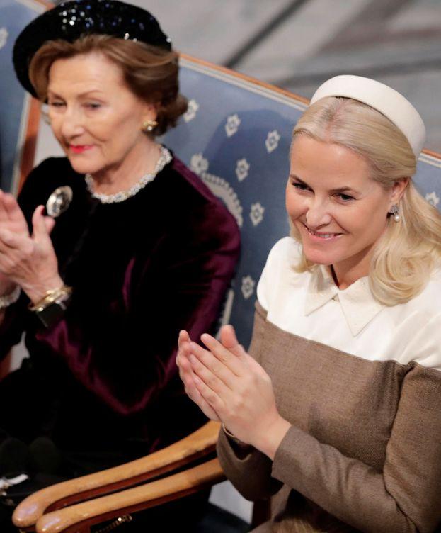Foto: La reina Sonia y su nuera, Mette-Marit. (Reuters)