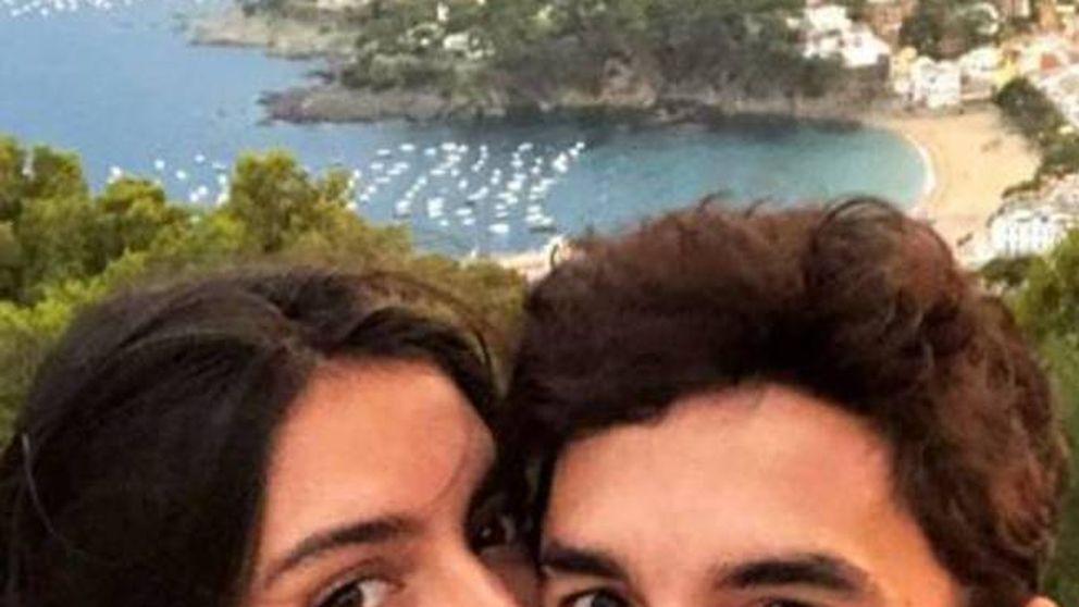 Marc Márquez y Lucía Rivera: la euforia de la pareja ante la victoria del piloto