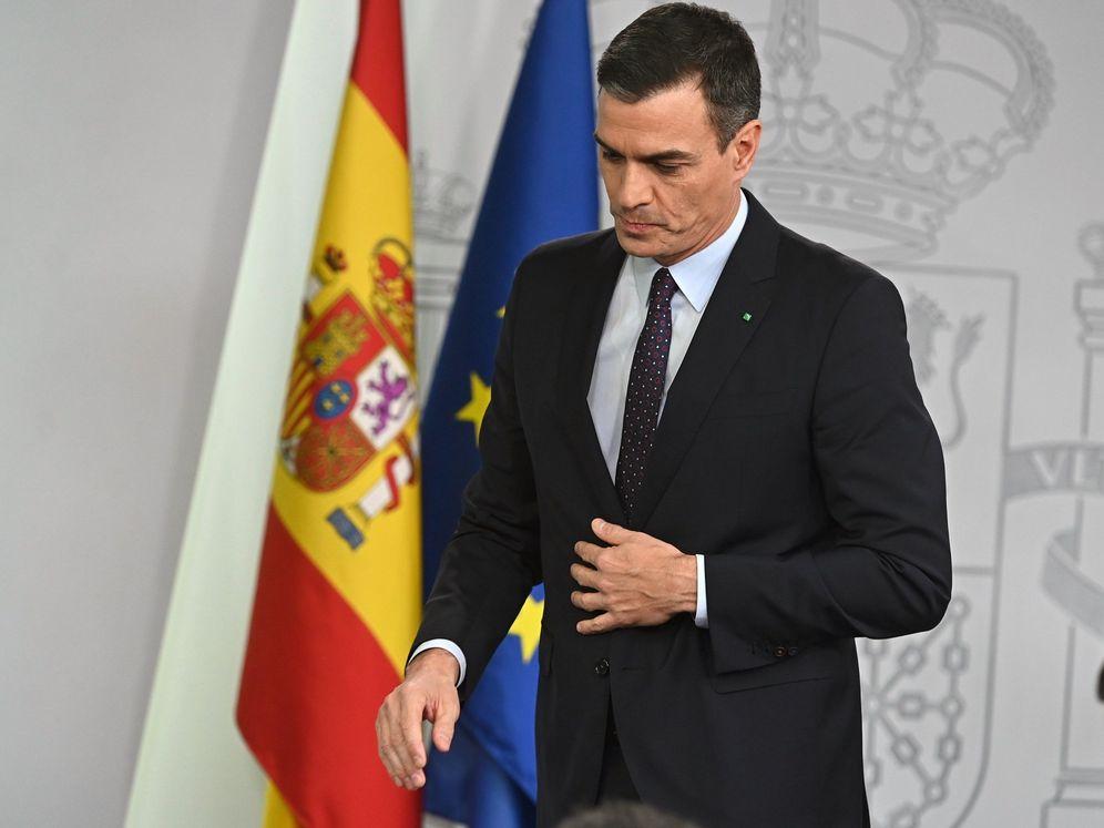 Foto: El presidente en funciones, Pedro Sánchez, el pasado 11 de diciembre en la Moncloa, tras recibir el encargo del Rey. (EFE)