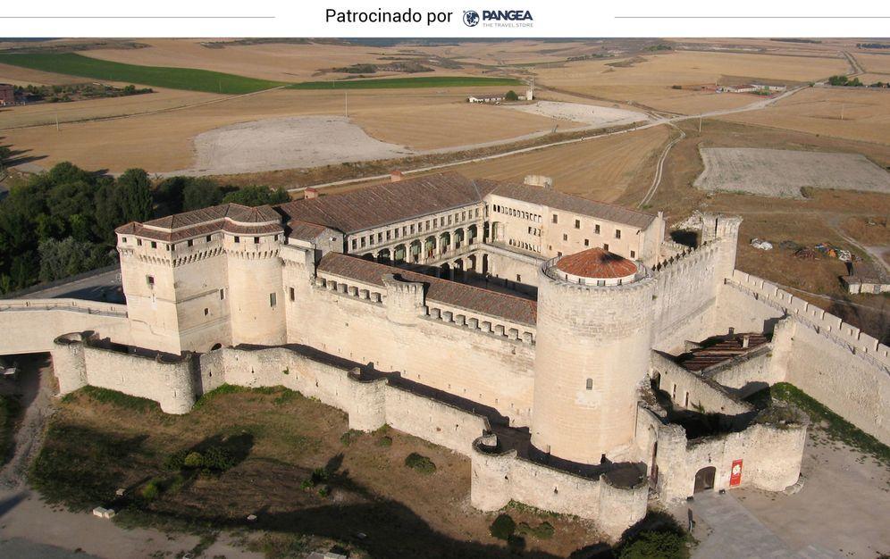 Foto: El castillo segoviano de Cuéllar, visto desde el aire.