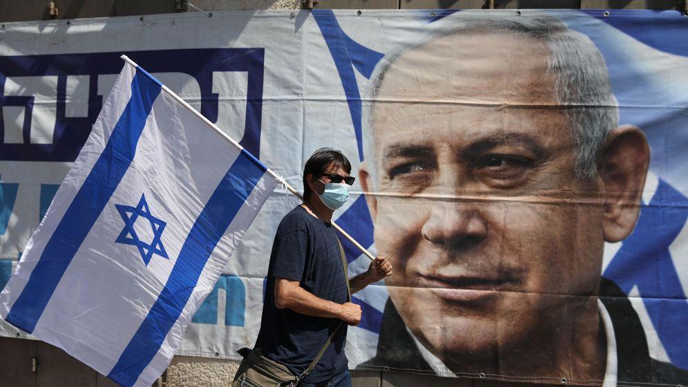 Foto: Una pintura callejara del primer ministro israelí, Benjamin Netanyahu. (EFE)