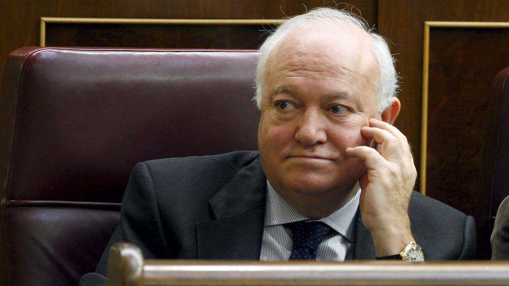 Foto: Miguel Ángel Moratinos, en su escaño de diputado en el Congreso de los Diputados. (EFE)
