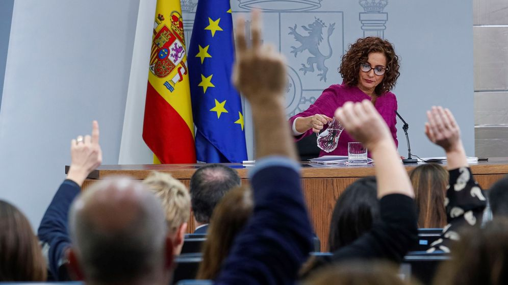 Foto: La ministra portavoz del Gobierno, María Jesús Montero, en la rueda de prensa tras el Consejo de Ministros este martes en Moncloa. (EFE)