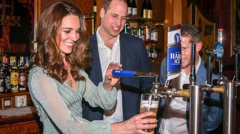 Los duques de Cambridge se atreven a tirar cerveza