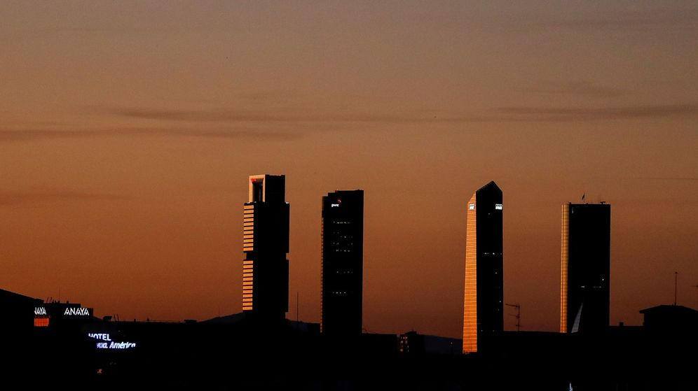 Foto: Vista general del distrito financiero de las Cuatro Torres de Madrid. (Reuters)