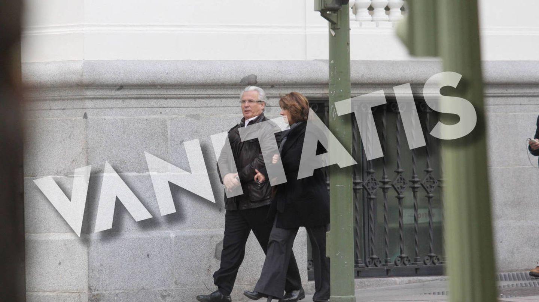 El juez Baltasar Garzón y Dolores Delgado, en unas fotos exclusivas. (Duenasphoto)