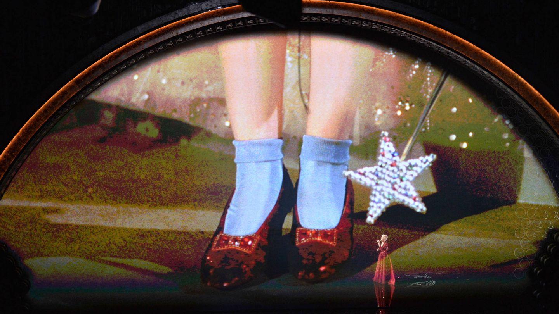 Los célebres zapatos rojos. (Getty)