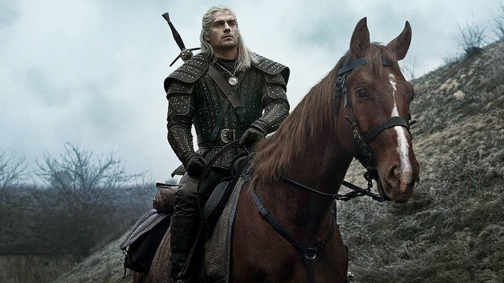 Foto: Geralt de Rivia a lomos de Sardinilla. (Netflix)
