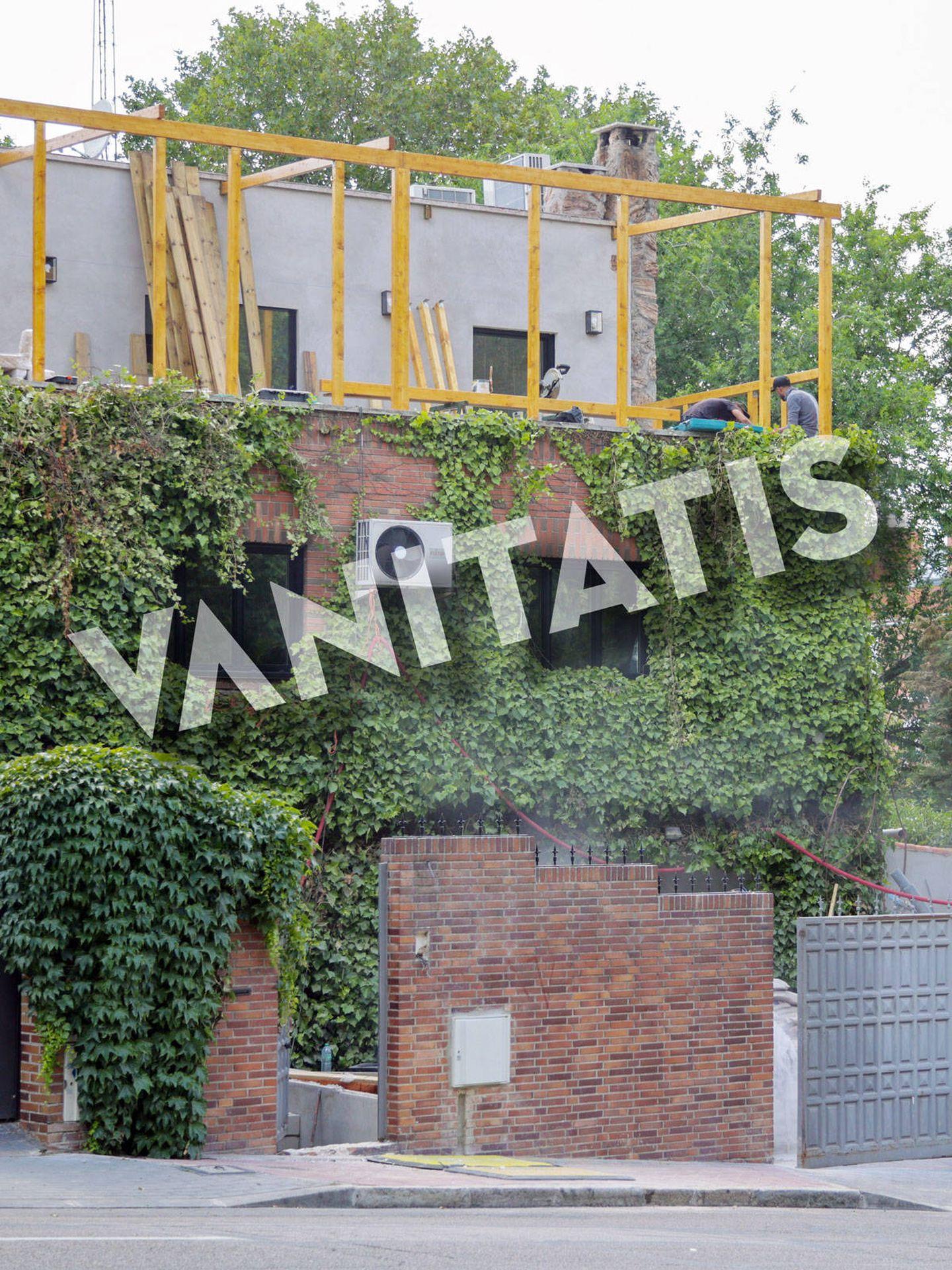 Las obras en casa de Aitana avanzan bajo su supervisión. (Contacto Press)