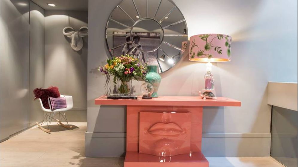 Foto: Rincón firmado por la interiorista Patricia Fernández Castro, que diseña además muebles, sofás o lacados a medida.