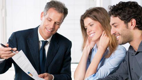 Los bancos sólo ofrecen sus fondos a los clientes y disfrazan el asesoramiento