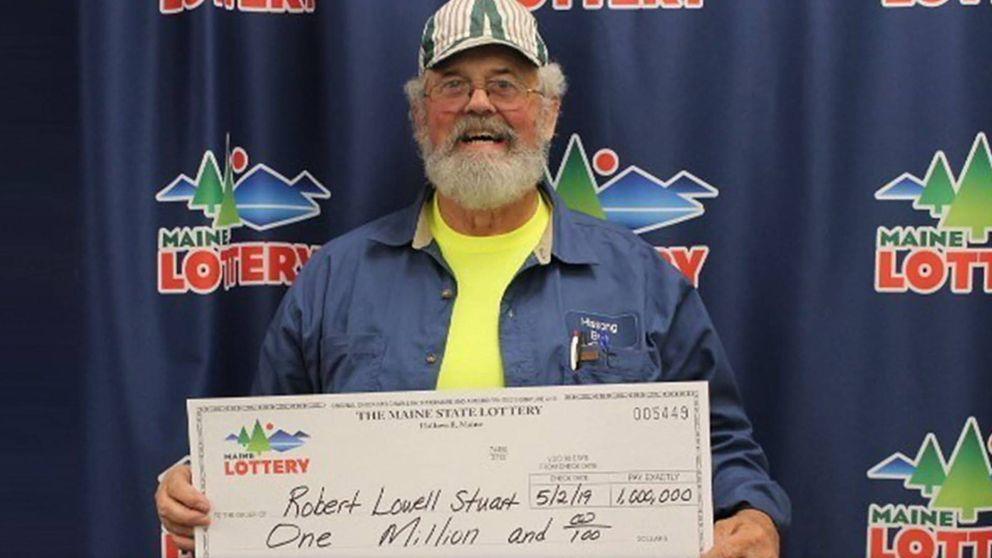 Un hombre gana dos veces la lotería en 4 meses y sigue viviendo en un remolque