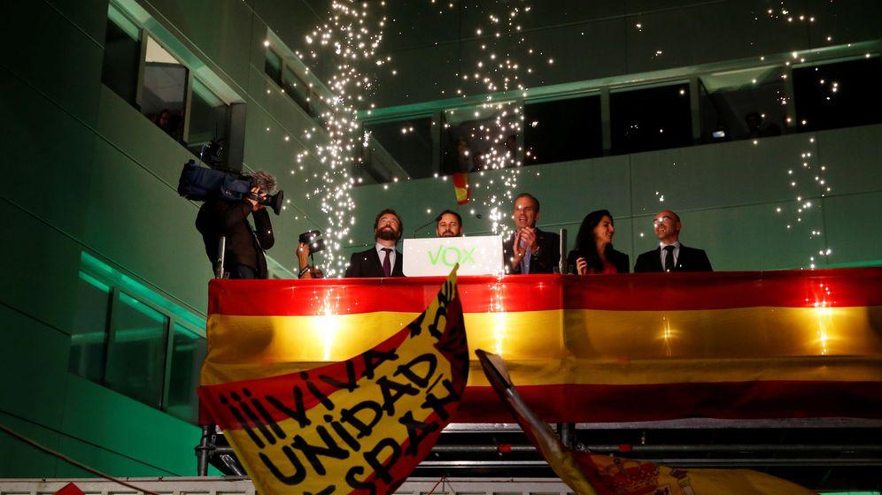 Foto: Santiago Abascal celebra su victoria en las elecciones generales (Reuters)