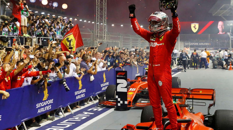 Vettel se la juega a Leclerc en el lío de Ferrari y un desafortunado Carlos Sainz acaba 12º