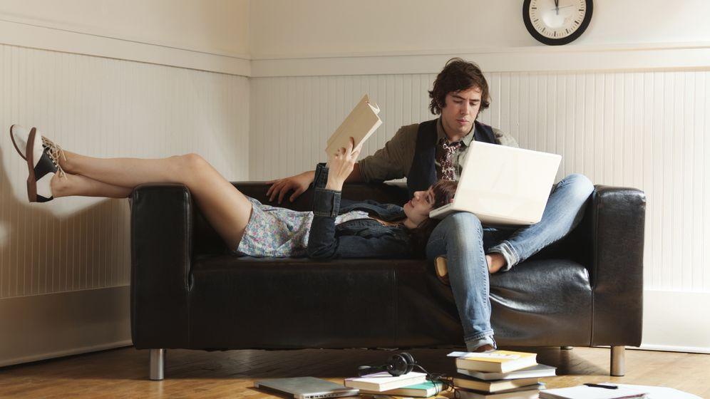 Foto: El auge de las parejas monoparentales o parejas de hecho está detrás de la desconfianza sobre si funcionará o no el enlace. (iStock)