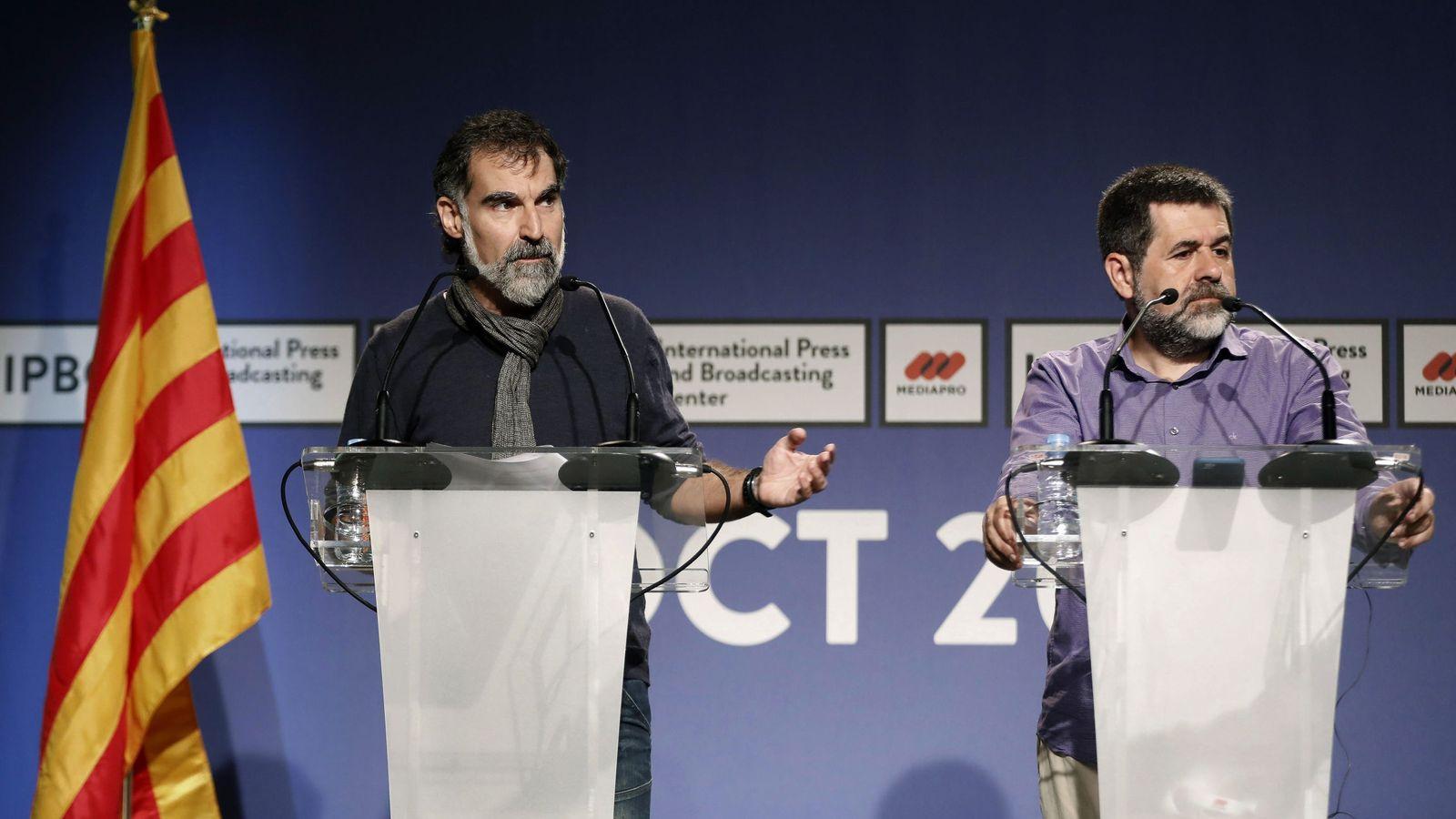 Foto: El presidente de la ANC, Jordi Sánchez (d) y el de Òmnium Cultural, Jordi Cuixart. (EFE)