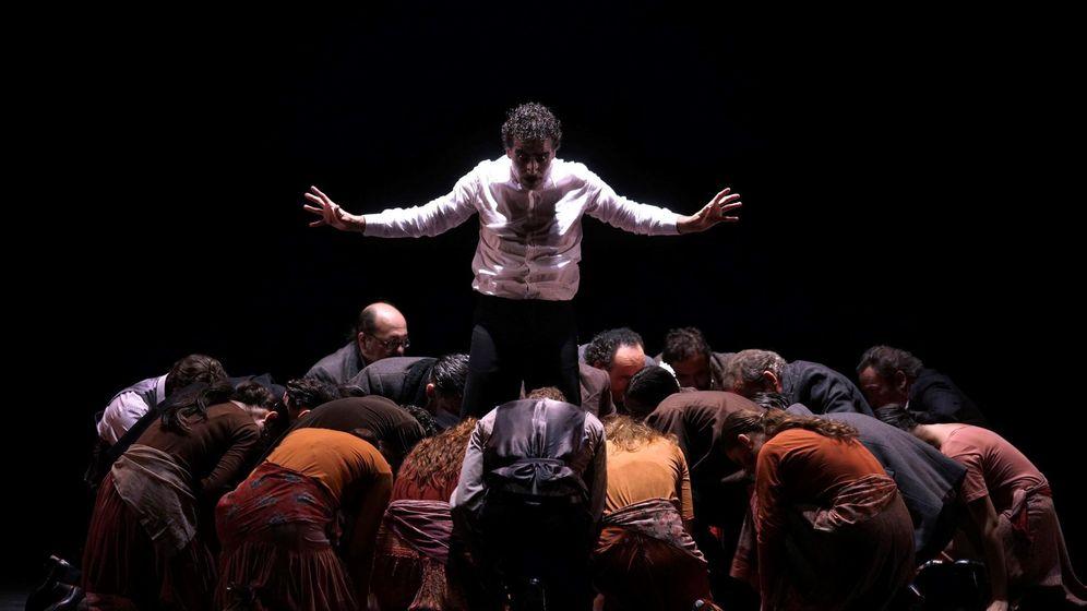 Foto: El actor Juan Pedro Delgado en 'Fuego', interpretada por la Compañía Antonio Gades en el Teatro Real. (EFE)