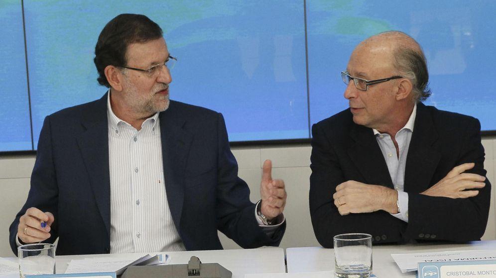 Foto: Mariano Rajoy y Cristóbal Montoro. (EFE)