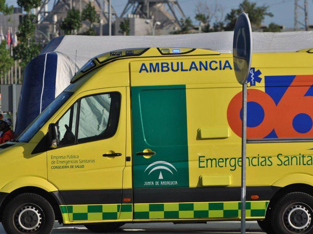 Foto: Imagen de archivo de una ambulancia en Andalucía. (112 Andalucía)