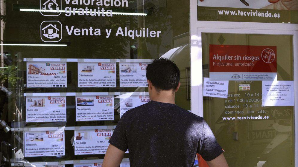 Foto: Vista de un escaparate de una inmobiliaria en Madrid. (EFE)