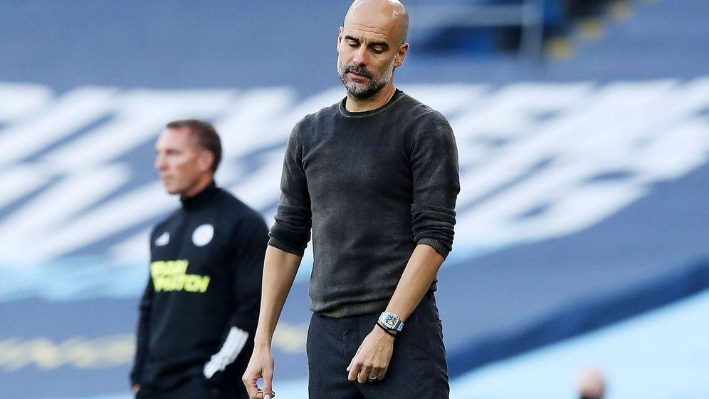 Foto: Guardiola, durante el partido ante el Leicester. (Efe)