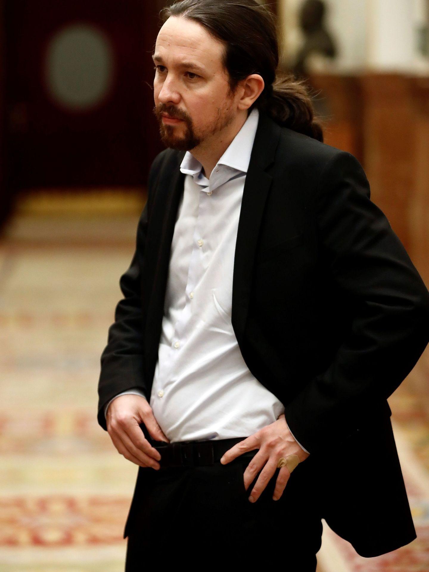 Pablo Iglesias con el traje completo. (EFE)