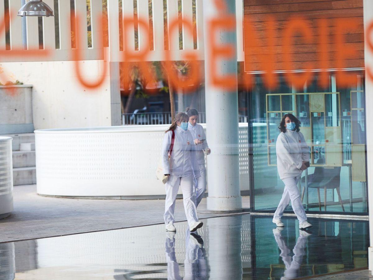 Foto: arias profesionales sanitarias en el Hospital del Mar de Barcelona. (EFE)
