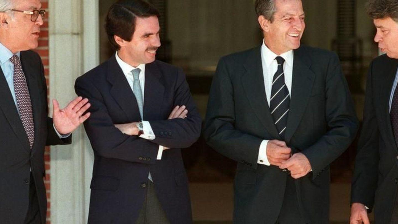 De izq. a dcha.: Leopoldo Calvo Sotelo, José María Aznar, Adolfo Suárez y Felipe González. (EFE)