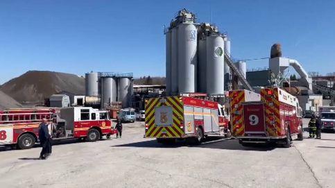 Peligroso rescate en una planta de procesamiento en Indianápolis