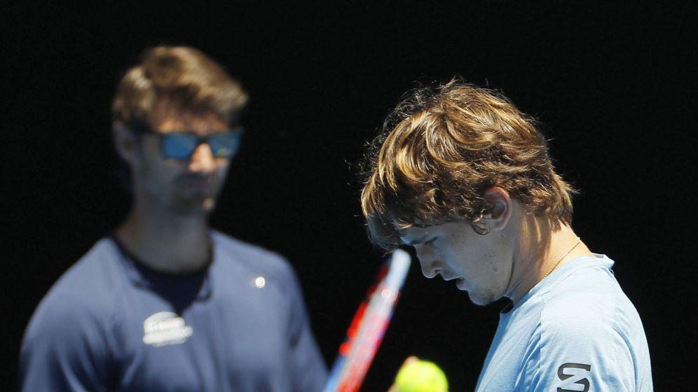 Foto: Juan Carlos Ferrero y Alexander Zverev en este Open de Australia. (EFE)