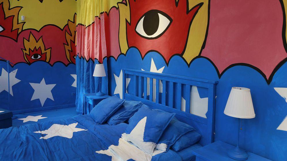Foto: Imagen del escaparate creado por el ilustrador Ricardo Cavolo para la nueva tienda Ikea Temporary en Madrid. (Foto: Cortesía)